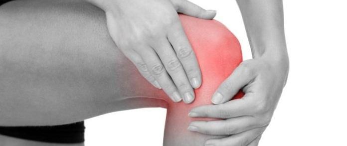 Боль под коленной чашечкой спереди