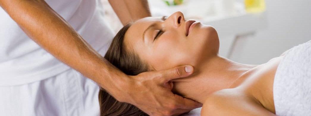 Как делать массаж шеи в домашних условиях?