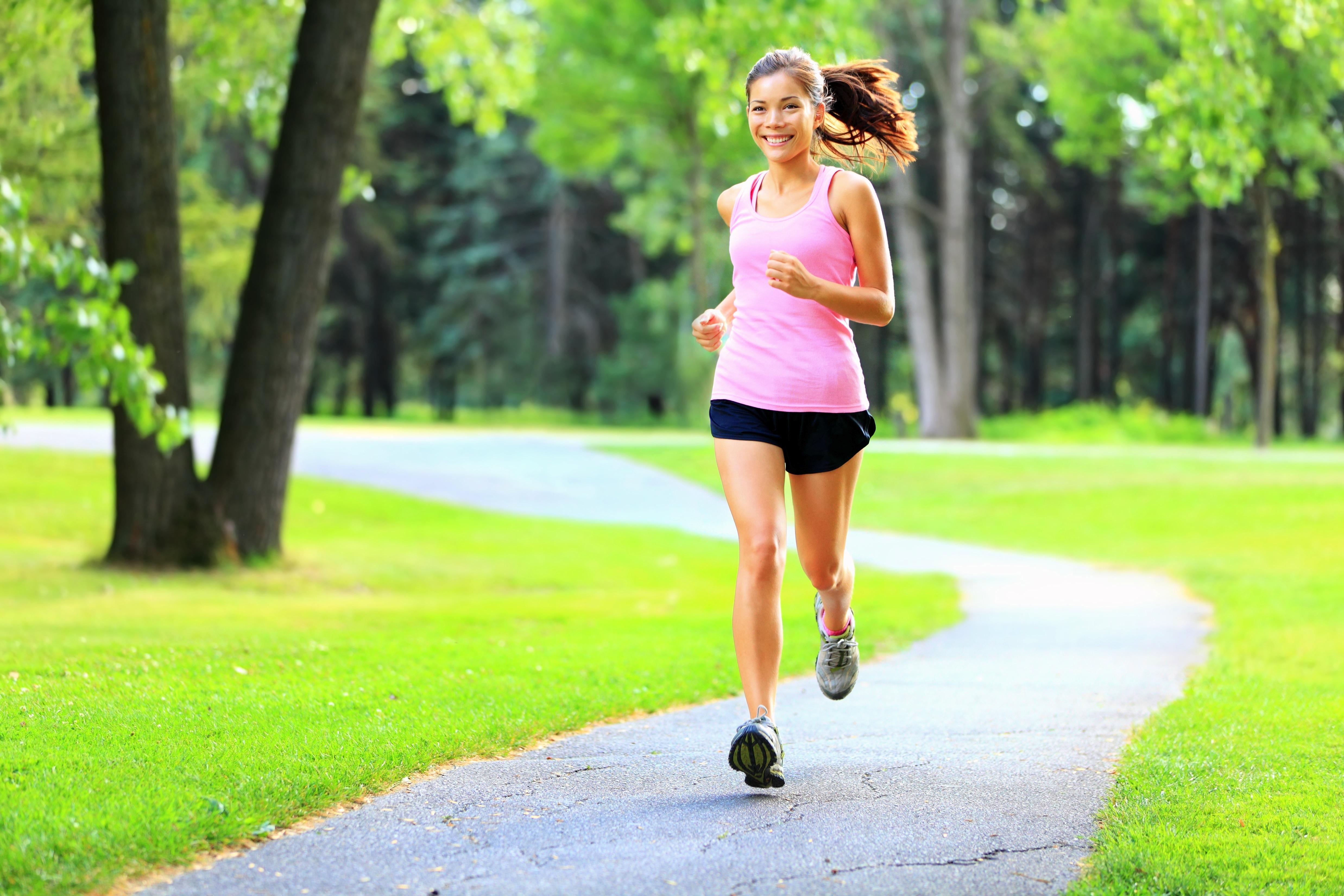 Можно ли бегать при остеохондрозе и как правильно тренироваться