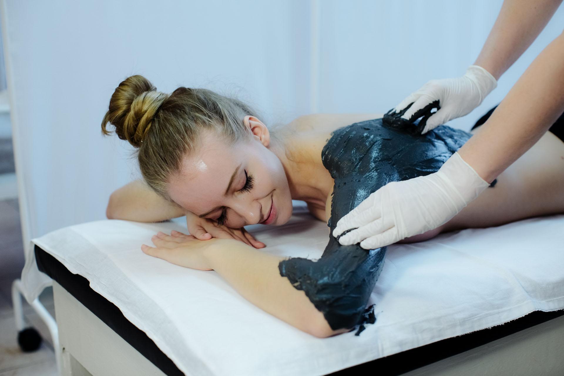 Причины и лечение боли в руке от плеча до локтя