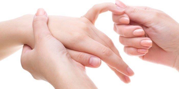 Пальцы не сжимаются в кулак что делать