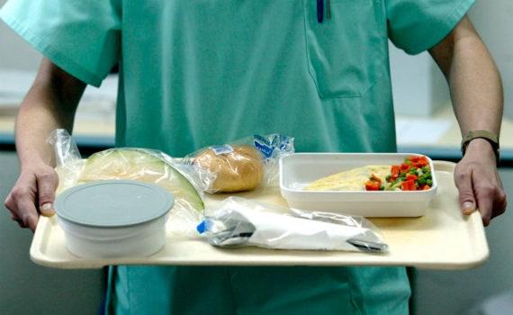 Что нельзя есть при переломе челюсти и как правильно питаться? Что можно есть при переломе челюсти через трубочку?