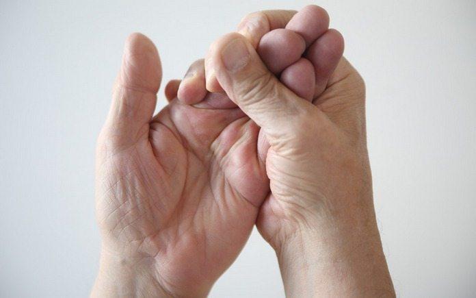 Отчего немеют кончики пальцев на левой руке